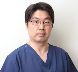 院長 完山 裕基 Dr. Hiroki Kanyama